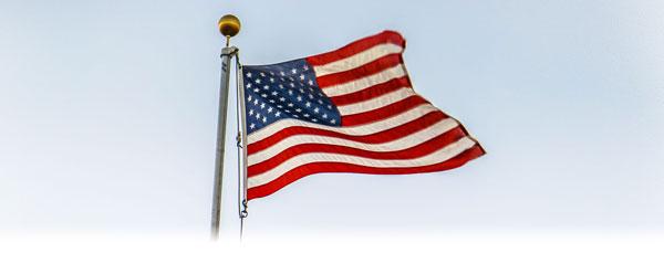 us-flag-on-pole-mobile-center
